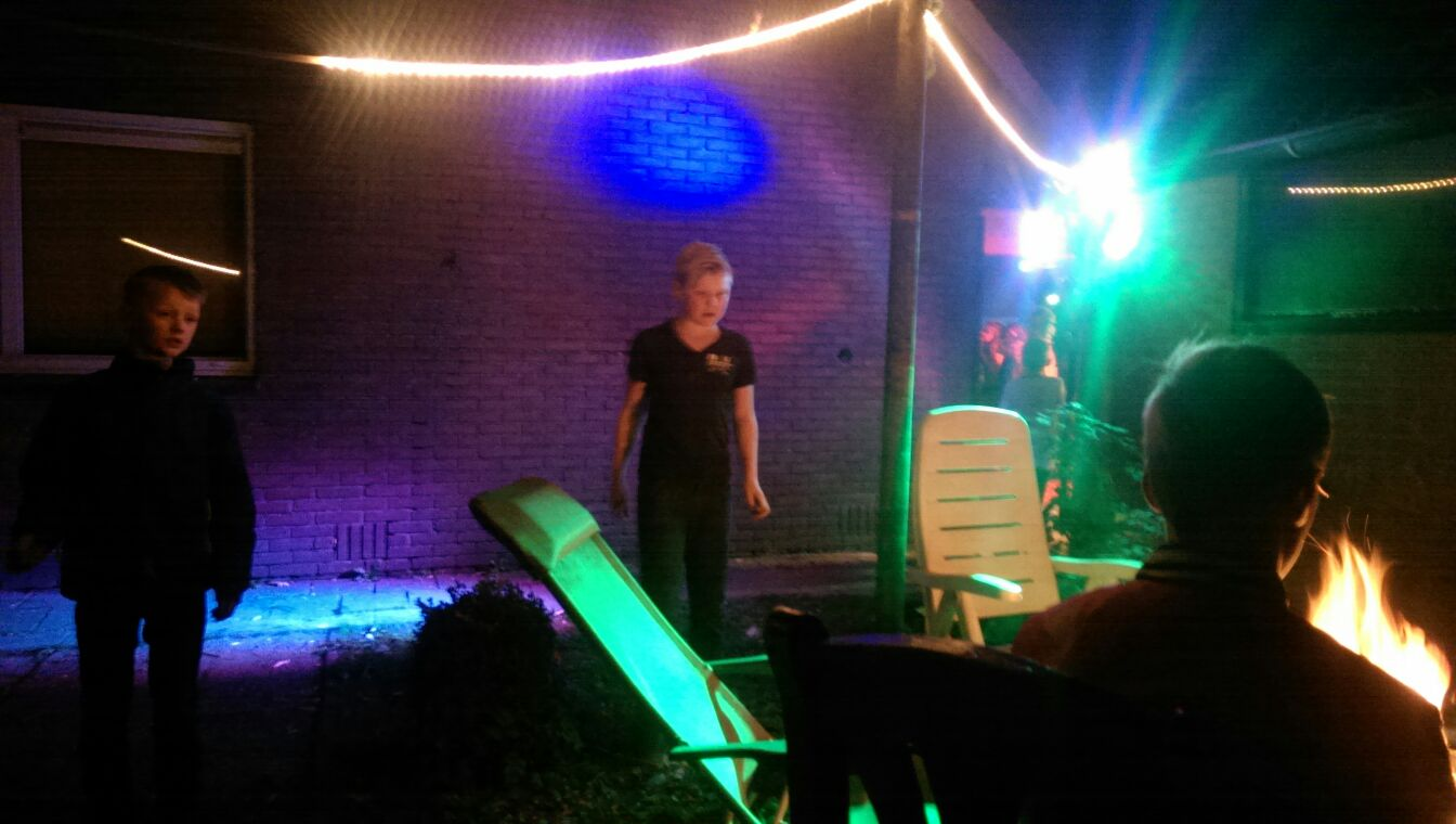 6 x LED Par op kidsparty bij Ivar